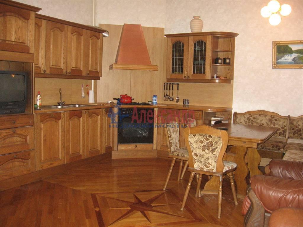 3-комнатная квартира (124м2) в аренду по адресу Мытнинская наб., 11— фото 2 из 5