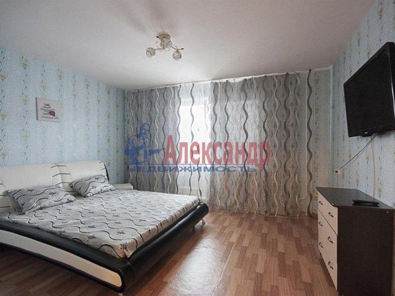 2-комнатная квартира (60м2) в аренду по адресу Парголово пос., Михаила Дудина ул., 23— фото 2 из 5