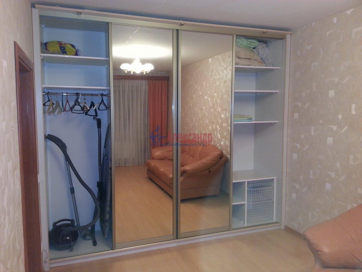 1-комнатная квартира (48м2) в аренду по адресу Ленсовета ул., 88— фото 18 из 18