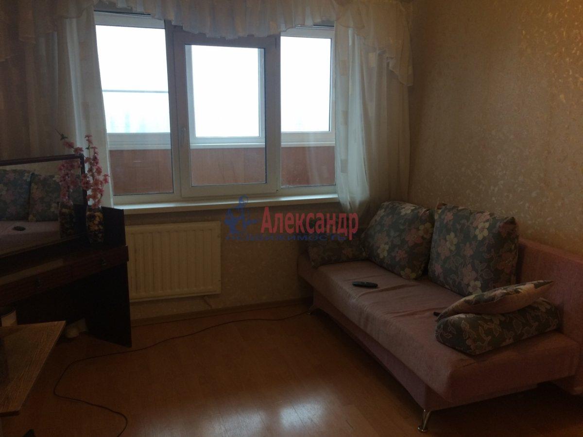 2-комнатная квартира (56м2) в аренду по адресу Передовиков ул., 1— фото 10 из 14
