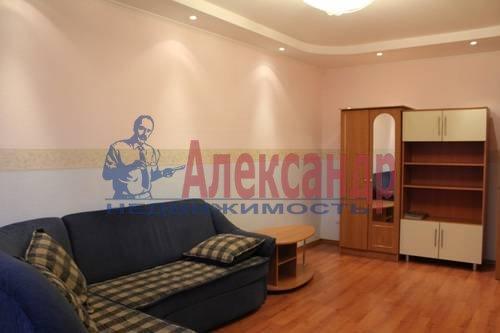 2-комнатная квартира (70м2) в аренду по адресу Просвещения пр., 34— фото 4 из 8