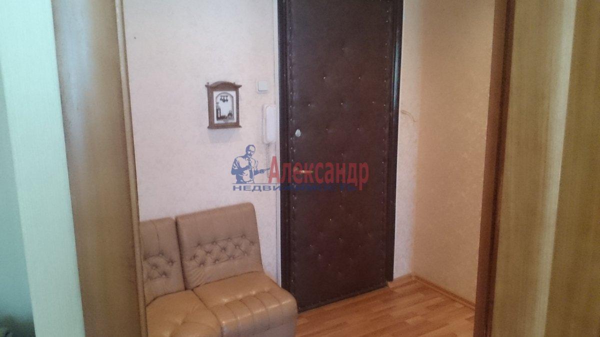 1-комнатная квартира (40м2) в аренду по адресу Стародеревенская ул., 6— фото 2 из 8