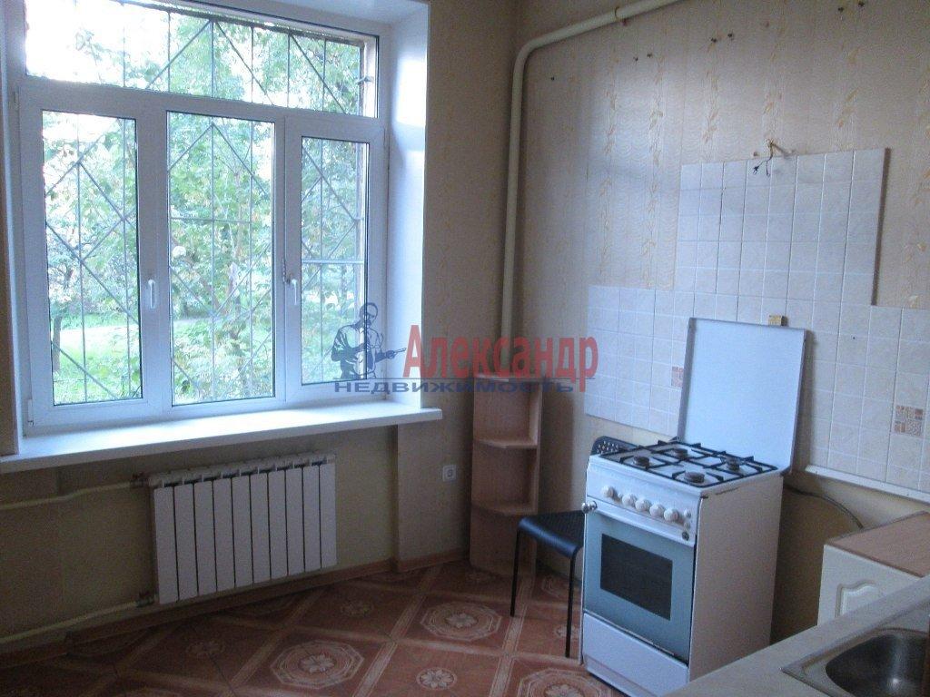 2-комнатная квартира (55м2) в аренду по адресу Ленсовета ул., 20— фото 3 из 5
