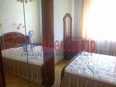 2-комнатная квартира (57м2) в аренду по адресу Юрия Гагарина пр., 12— фото 2 из 4