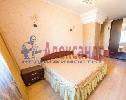 Комната в 2-комнатной квартире (64м2) в аренду по адресу Московский просп., 202— фото 1 из 2