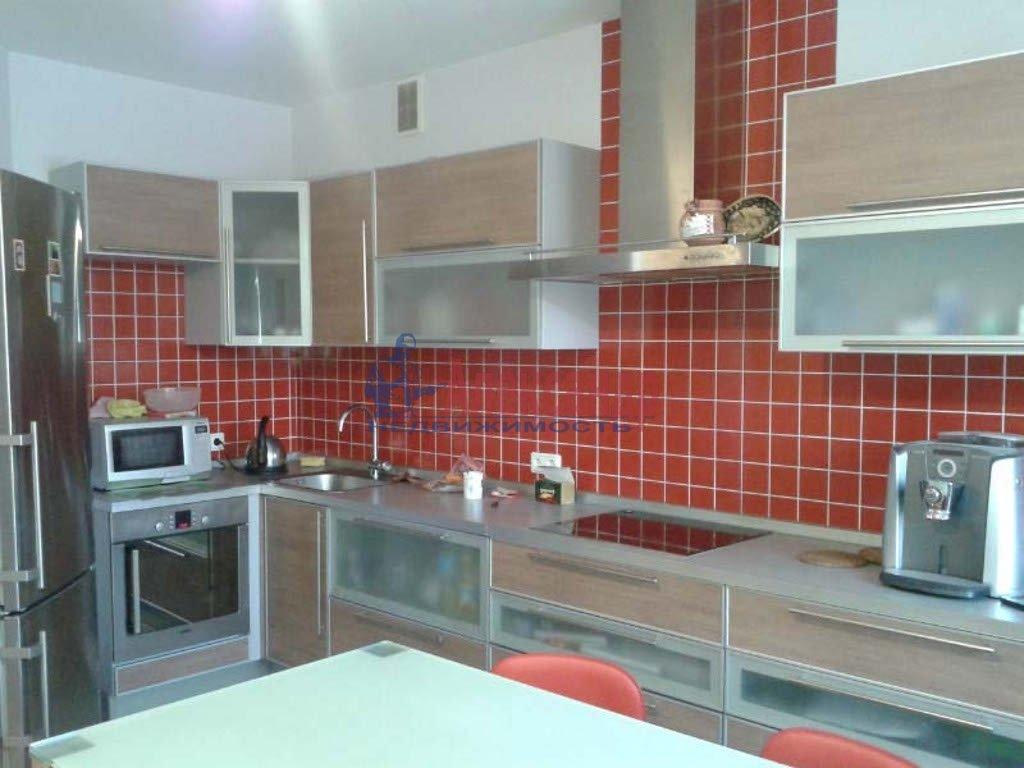 2-комнатная квартира (59м2) в аренду по адресу Приморский пр., 137— фото 1 из 3