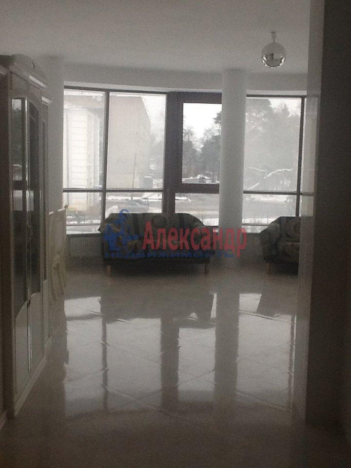 1-комнатная квартира (65м2) в аренду по адресу Сестрорецк г., 1 Мая ул., 3— фото 4 из 5