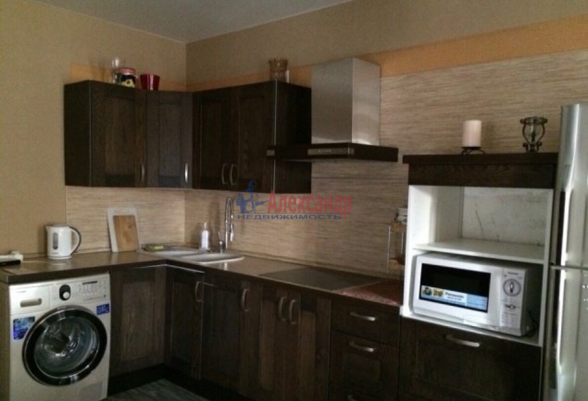 2-комнатная квартира (64м2) в аренду по адресу Купчинская ул., 13— фото 4 из 5
