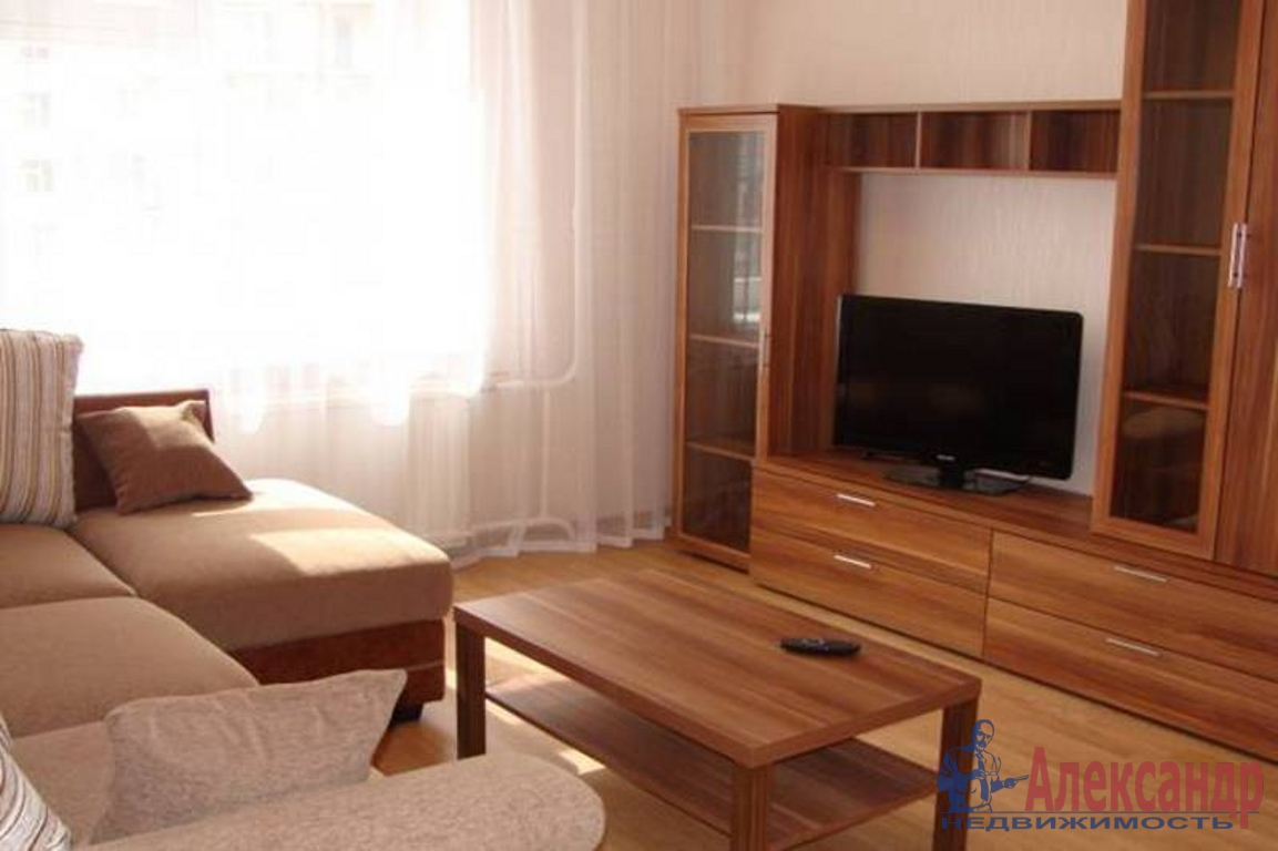 3-комнатная квартира (90м2) в аренду по адресу Малый пр., 90— фото 1 из 4