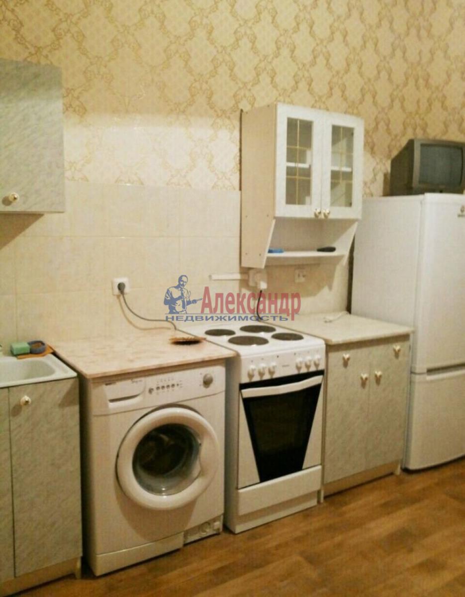 1-комнатная квартира (38м2) в аренду по адресу Ленинский пр., 111— фото 2 из 7