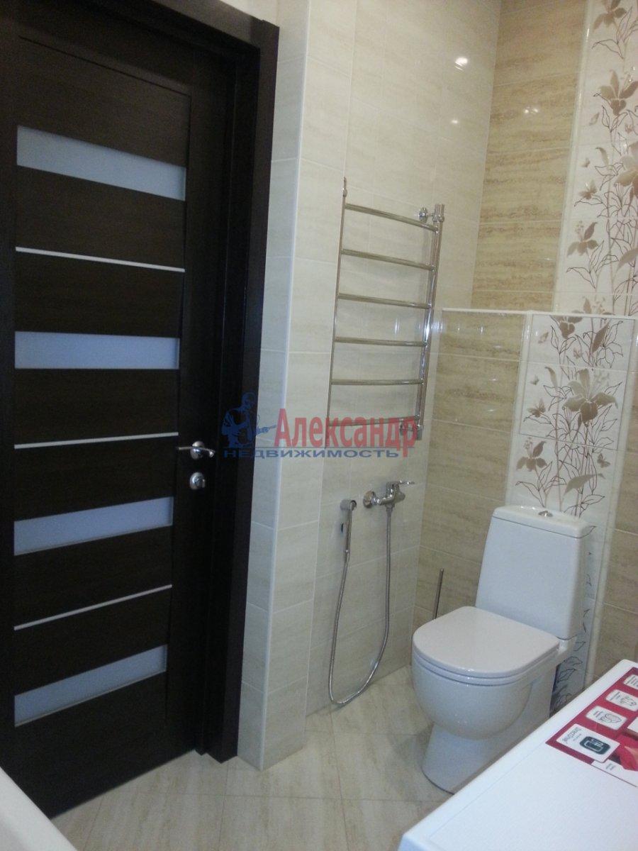 1-комнатная квартира (48м2) в аренду по адресу Дыбенко ул., 11— фото 7 из 10