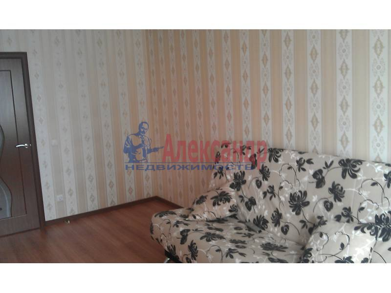 2-комнатная квартира (63м2) в аренду по адресу Белы Куна ул., 1— фото 8 из 9