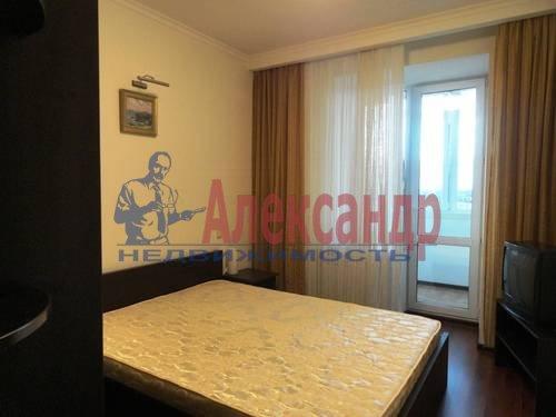 2-комнатная квартира (75м2) в аренду по адресу Есенина ул., 1— фото 6 из 7