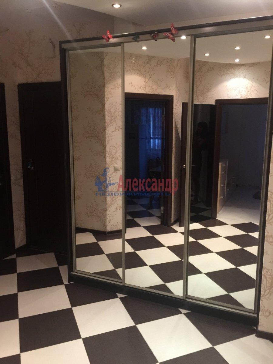 2-комнатная квартира (65м2) в аренду по адресу Богатырский пр., 60— фото 2 из 17
