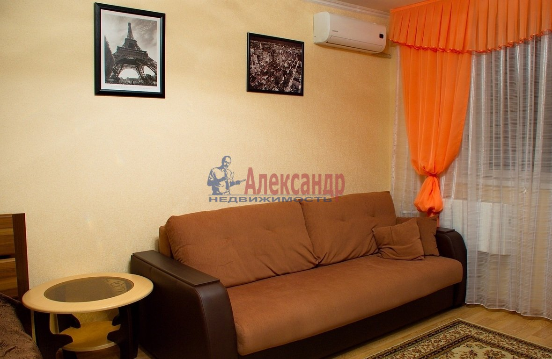1-комнатная квартира (33м2) в аренду по адресу Парголово пос., Заречная ул., 19— фото 1 из 3