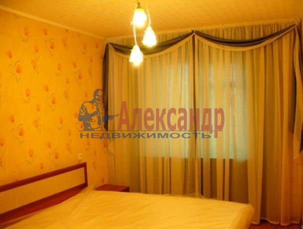 1-комнатная квартира (42м2) в аренду по адресу Авиаконструкторов пр., 2— фото 2 из 4