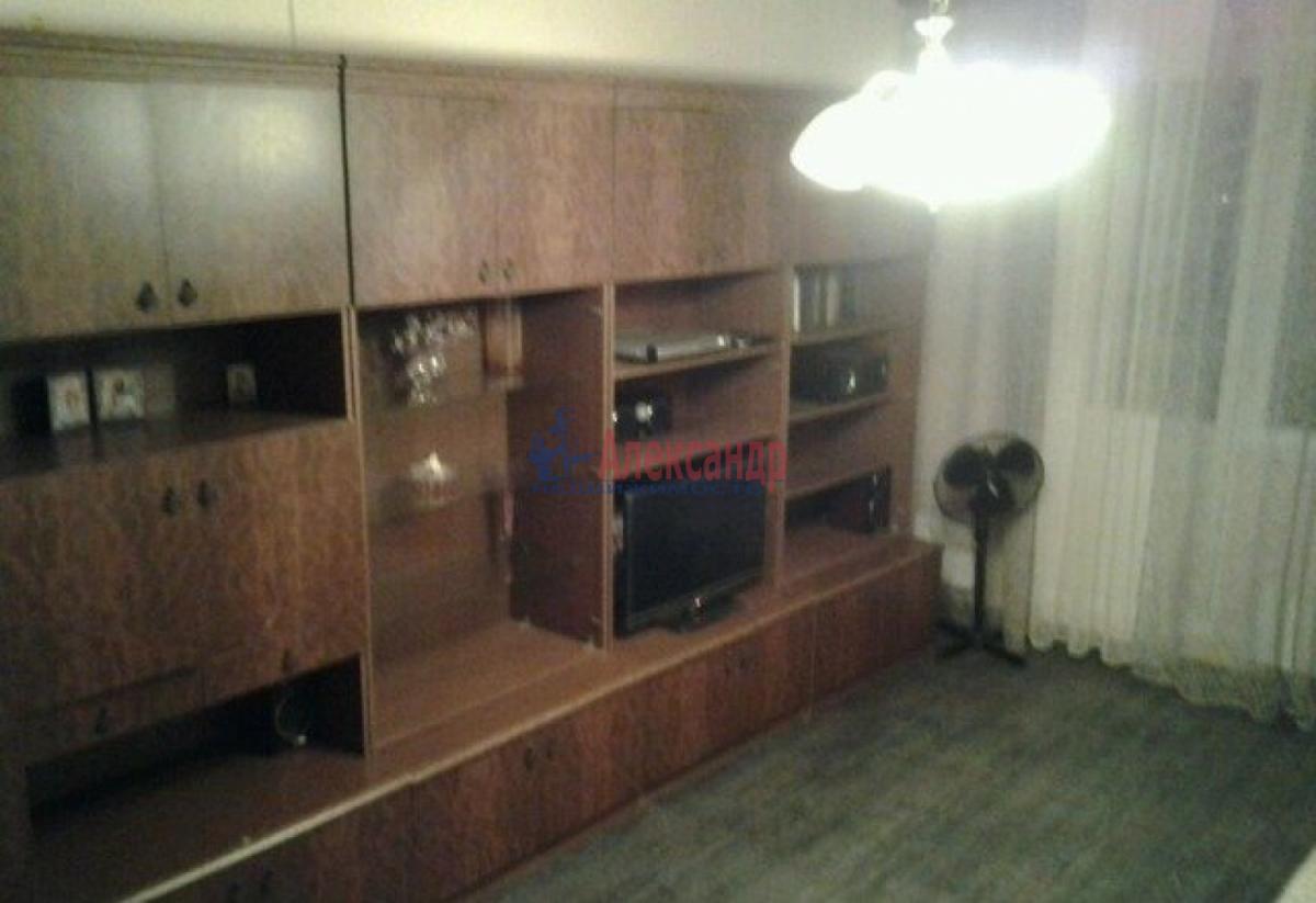 1-комнатная квартира (32м2) в аренду по адресу Ленинский пр., 115— фото 2 из 6