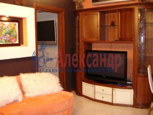 2-комнатная квартира (80м2) в аренду по адресу Кременчугская ул., 11— фото 5 из 9