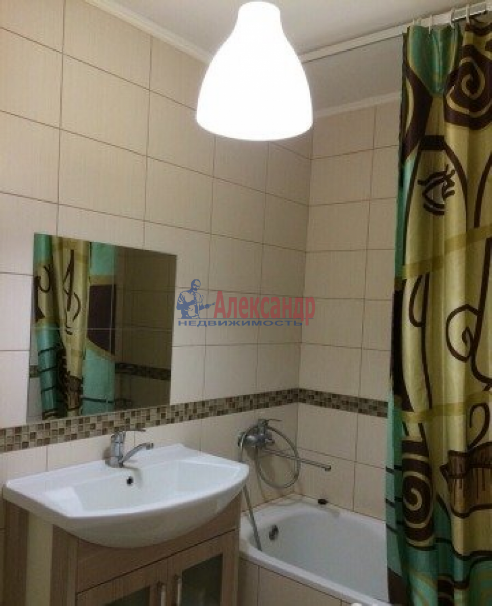 2-комнатная квартира (64м2) в аренду по адресу Купчинская ул., 13— фото 5 из 5