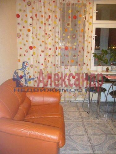 1-комнатная квартира (45м2) в аренду по адресу Хасанская ул., 22— фото 3 из 9