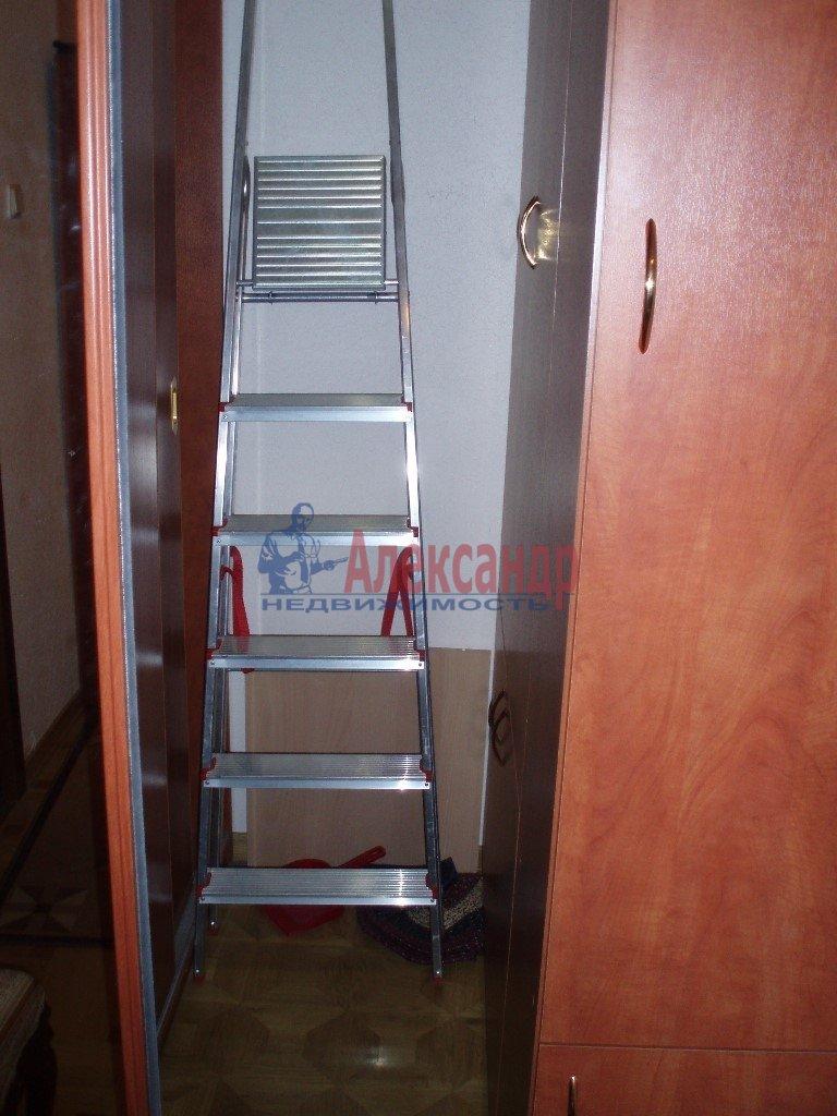 1-комнатная квартира (40м2) в аренду по адресу Краснопутиловская ул., 71— фото 2 из 3