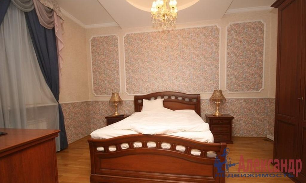3-комнатная квартира (109м2) в аренду по адресу Исполкомская ул., 3— фото 2 из 4