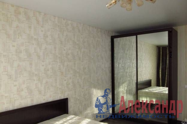 1-комнатная квартира (48м2) в аренду по адресу Матроса Железняка ул., 57— фото 2 из 5