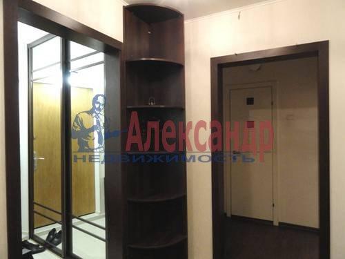 2-комнатная квартира (69м2) в аренду по адресу Коломяжский пр., 28— фото 4 из 9
