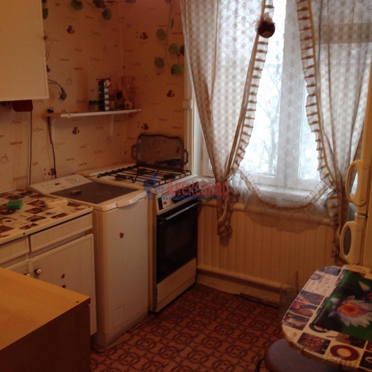 1-комнатная квартира (36м2) в аренду по адресу Карпинского ул., 31— фото 4 из 7