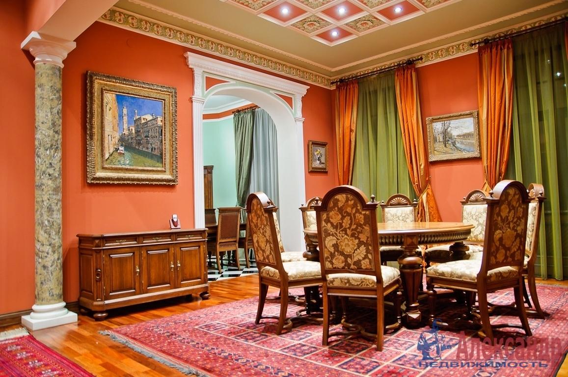 3-комнатная квартира (180м2) в аренду по адресу Каменноостровский пр., 54— фото 1 из 3