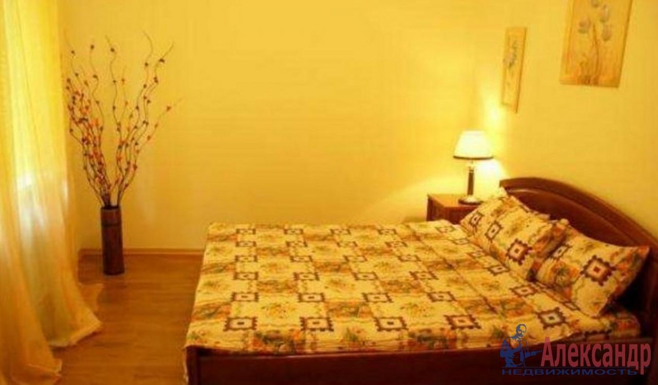 2-комнатная квартира (65м2) в аренду по адресу Подковырова ул., 7— фото 2 из 4