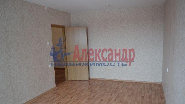 3-комнатная квартира (75м2) в аренду по адресу Приозерское шос., 10— фото 2 из 10