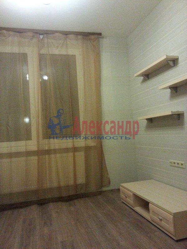 2-комнатная квартира (70м2) в аренду по адресу Белы Куна ул., 1— фото 4 из 18