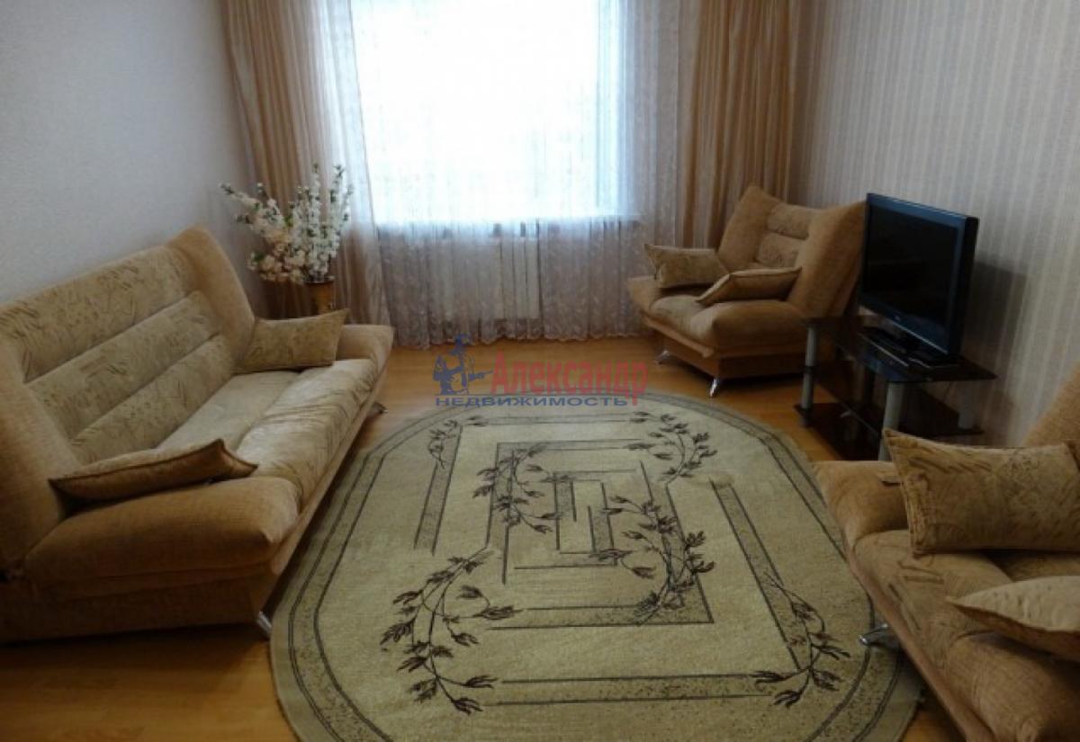 1-комнатная квартира (36м2) в аренду по адресу Обуховской Обороны пр., 195— фото 1 из 4