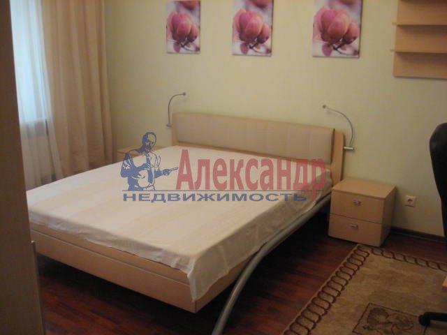 1-комнатная квартира (41м2) в аренду по адресу Учительская ул., 19— фото 1 из 3