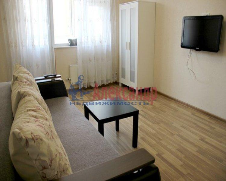 1-комнатная квартира (38м2) в аренду по адресу Старо-Петергофский пр., 15— фото 2 из 2