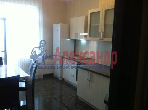 3-комнатная квартира (91м2) в аренду по адресу Искровский пр., 22— фото 1 из 8