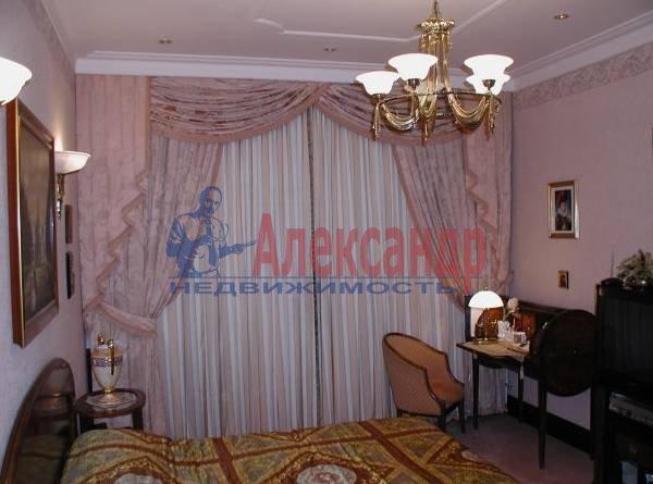 4-комнатная квартира (160м2) в аренду по адресу Исаакиевская пл., 7— фото 4 из 5
