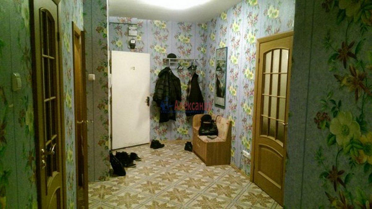 2-комнатная квартира (68м2) в аренду по адресу Будапештская ул., 17— фото 1 из 8
