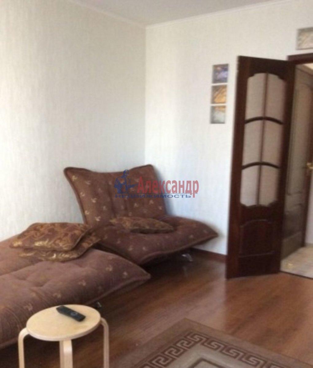 Комната в 3-комнатной квартире (73м2) в аренду по адресу Беринга ул., 23— фото 1 из 2