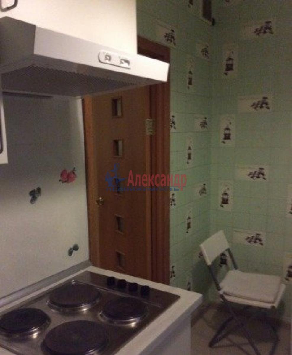 Комната в 2-комнатной квартире (43м2) в аренду по адресу Славы пр., 27— фото 2 из 4