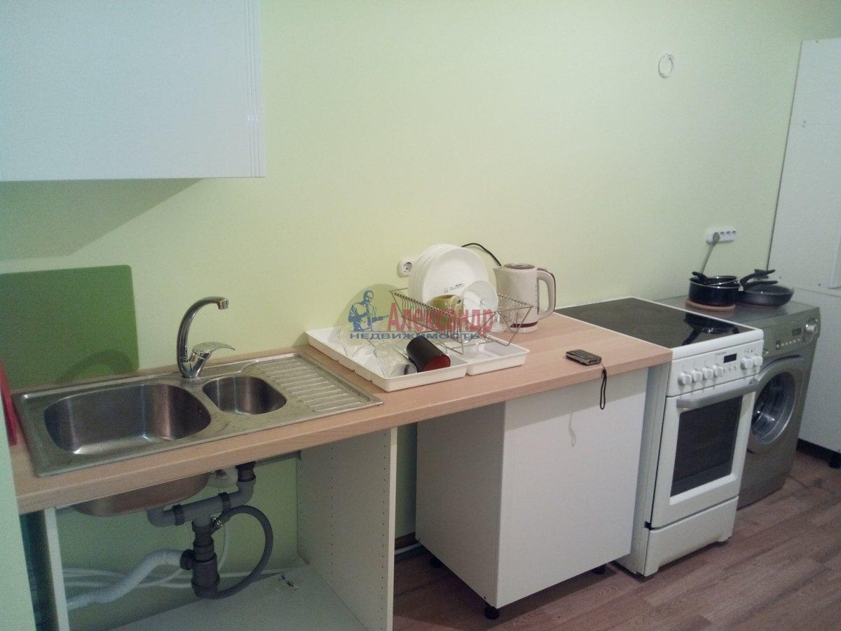 1-комнатная квартира (35м2) в аренду по адресу Луначарского пр., 100— фото 2 из 7