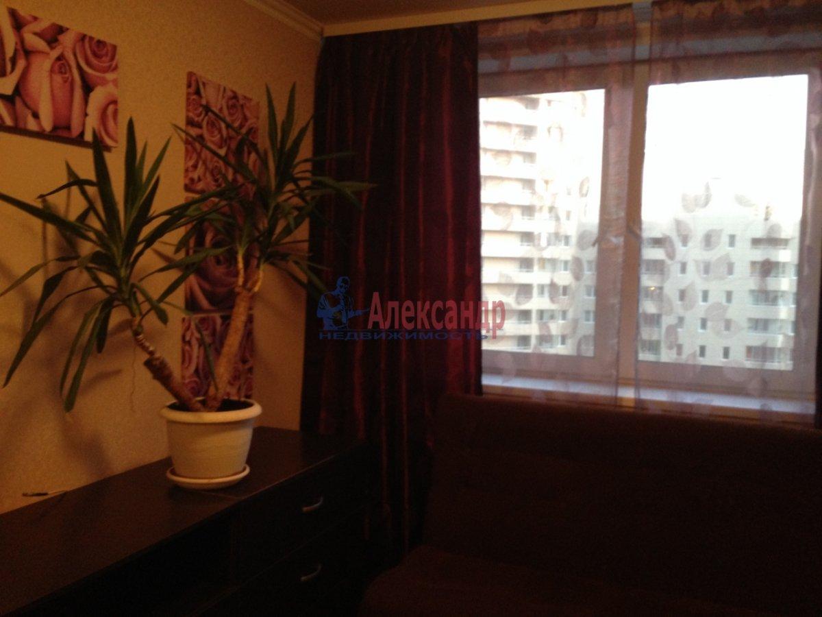 1-комнатная квартира (40м2) в аренду по адресу Коллонтай ул., 15— фото 2 из 8