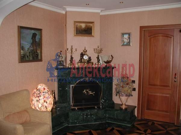 4-комнатная квартира (160м2) в аренду по адресу Исаакиевская пл., 7— фото 1 из 5