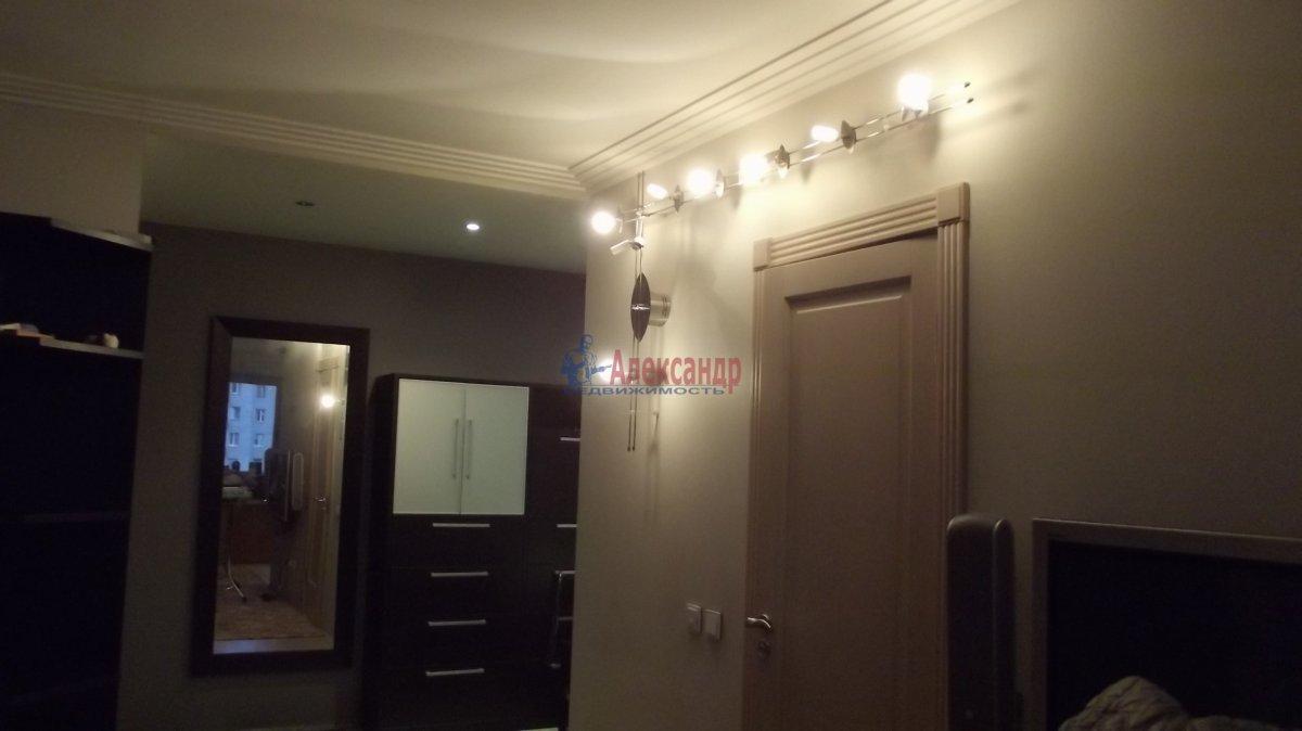 1-комнатная квартира (35м2) в аренду по адресу Народная ул., 5— фото 2 из 3