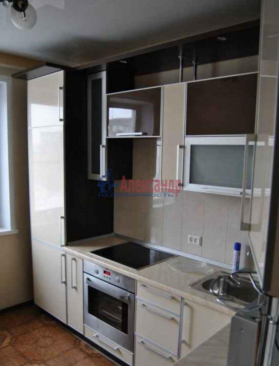 1-комнатная квартира (39м2) в аренду по адресу Михаила Дудина ул., 25— фото 1 из 2
