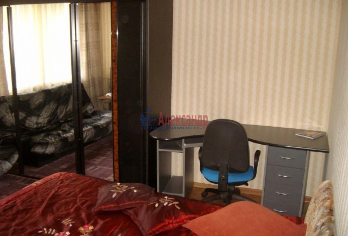 1-комнатная квартира (34м2) в аренду по адресу Танкиста Хрустицкого ул., 50— фото 3 из 5