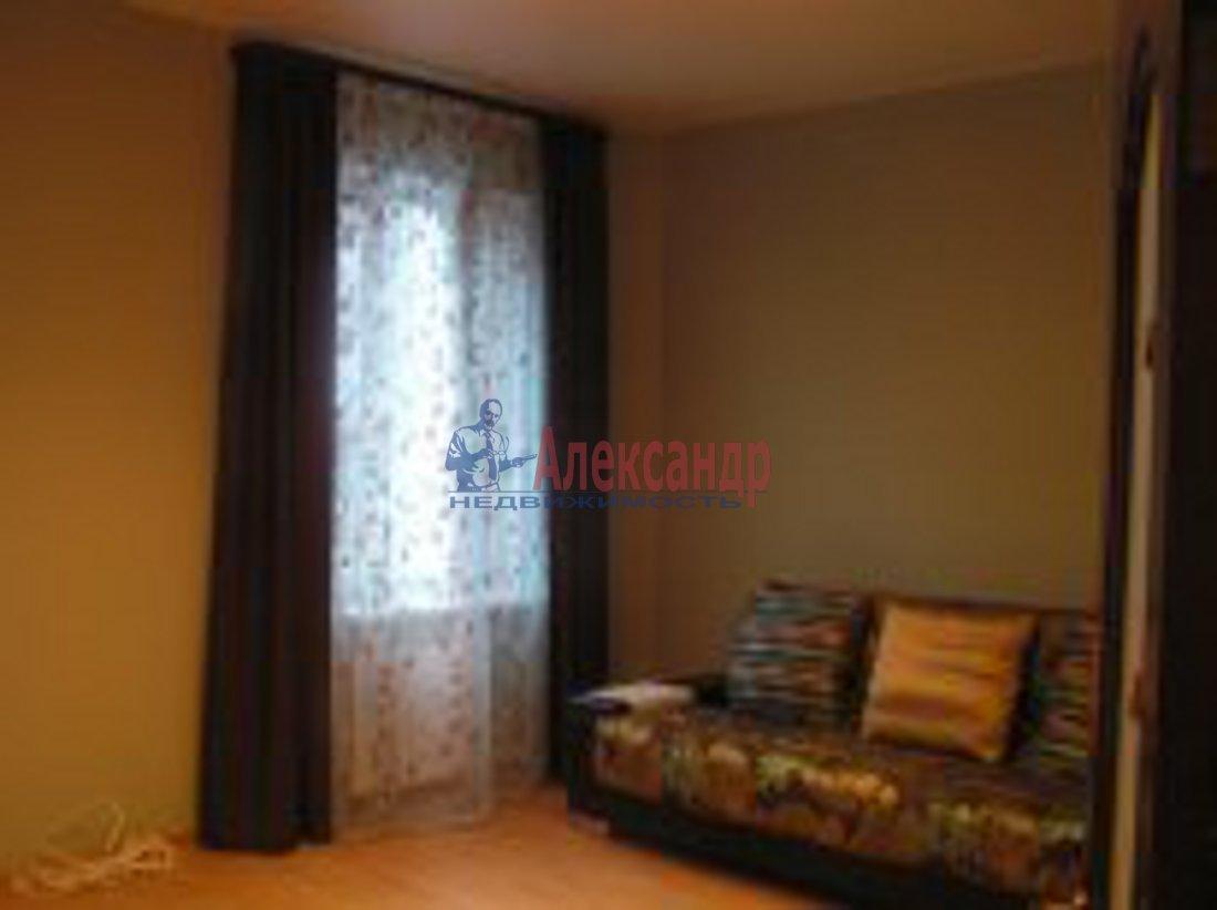 3-комнатная квартира (98м2) в аренду по адресу Композиторов ул., 12— фото 4 из 7