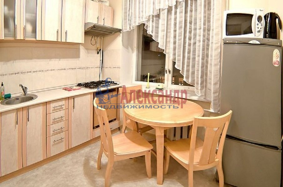 1-комнатная квартира (42м2) в аренду по адресу Товарищеский пр., 22— фото 1 из 3