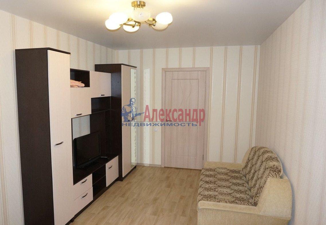 2-комнатная квартира (62м2) в аренду по адресу Галерный прд., 5— фото 2 из 5
